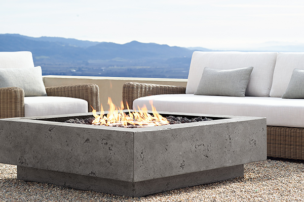 2015Q4-Desirables-Outdoors-Fireplace